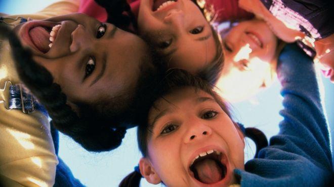El control de las cucarachas en hogares reduce los síntomas de asma en niños